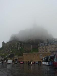 霧に包まれたモン・サン・ミッシェル